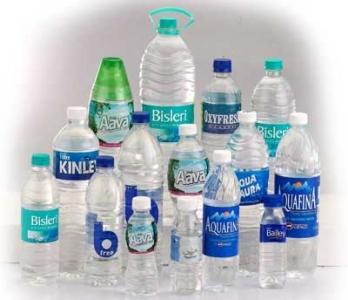 Nên đựng thực phẩm trong chai nhựa PET, PC tinh khiết.